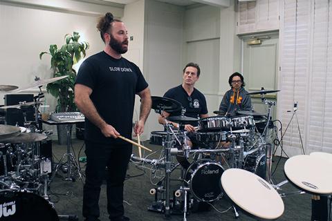 Big Drum Bonanza 2015 - Dave Elitch fortæller og Thomas lytter.