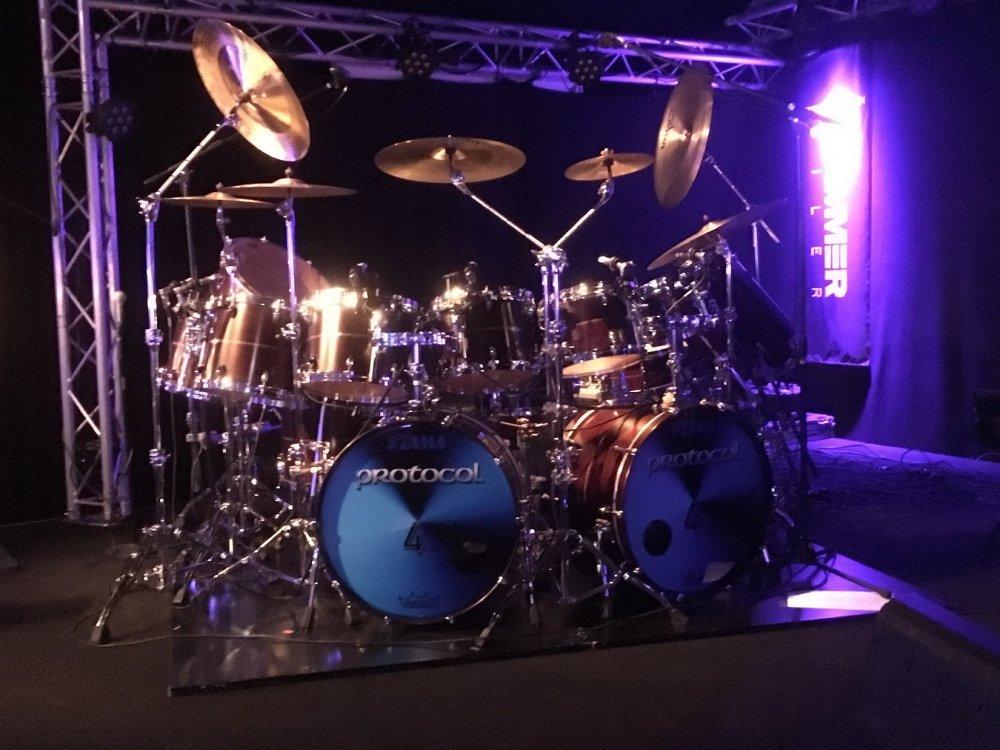 Simons trommer.jpg